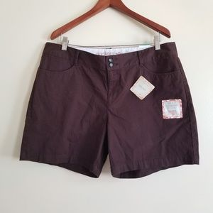 Dockers Truly Slimming Shorts Size 16